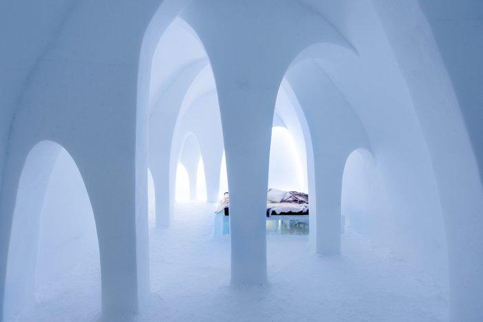 Απίστευτο: Ξενοδοχείο σμιλεμένο σε 4.000 τόνους πάγου! - εικόνα 2
