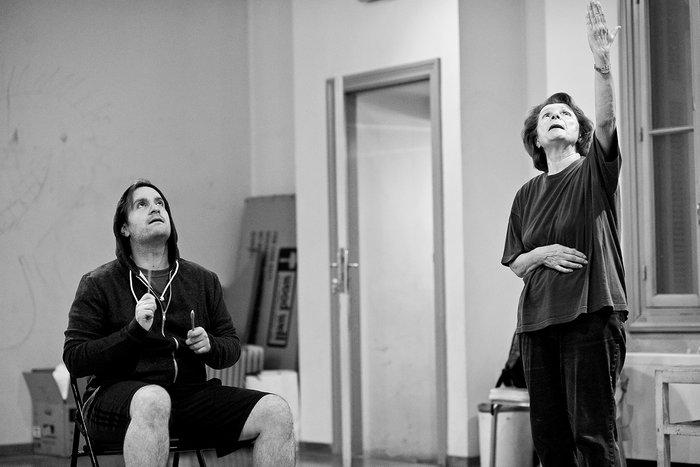 Έξι νέοι ηθοποιοί συναντούν το γήρας σε μια παράσταση ντοκουμέντο της ζωής