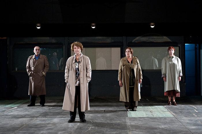 Έξι νέοι ηθοποιοί συναντούν το γήρας σε μια παράσταση ντοκουμέντο της ζωής - εικόνα 4