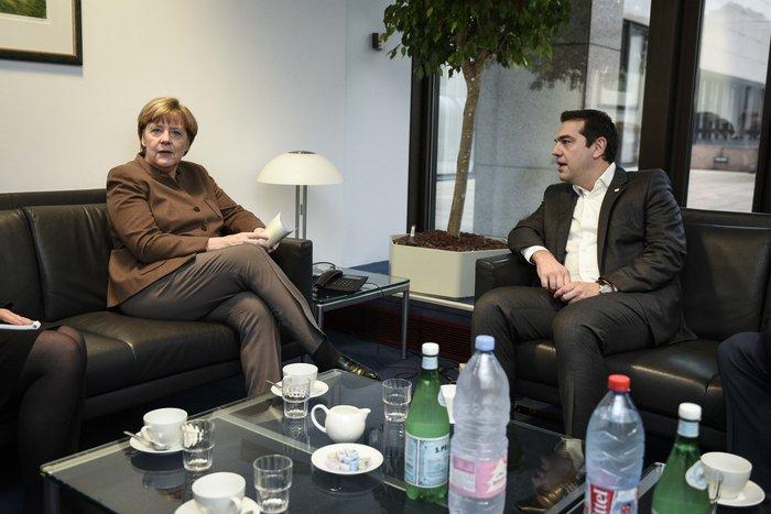 Τι συζήτησαν Τσίπρας-Μέρκελ στις Βρυξέλλες