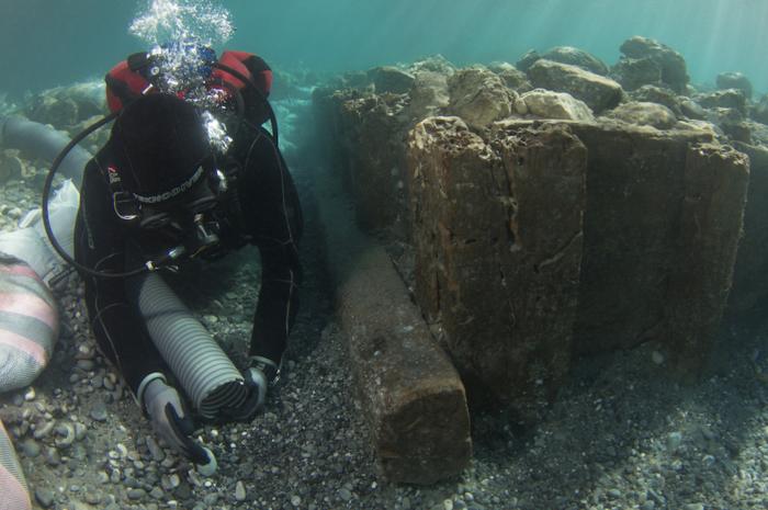 Αρχαιολογική υποβρύχια έρευνα στο λιμάνι του Λεχαίου