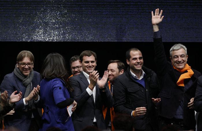 Ισπανικές εκλογές: Φαβορί ο Ραχόι, ρυθμιστές οι Podemos & οι Πολίτες - εικόνα 4