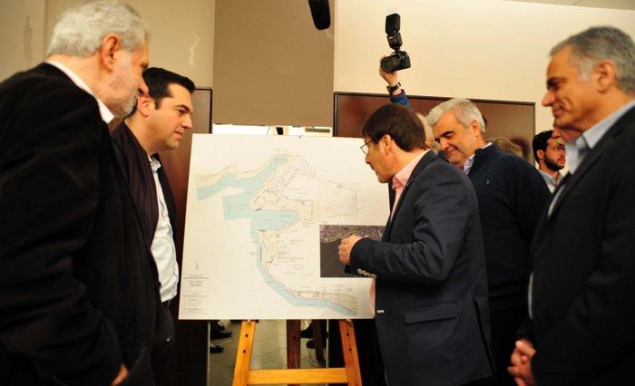H αναπάντεχη... συνάντηση του Τσίπρα στο Κερατσίνι - εικόνα 3