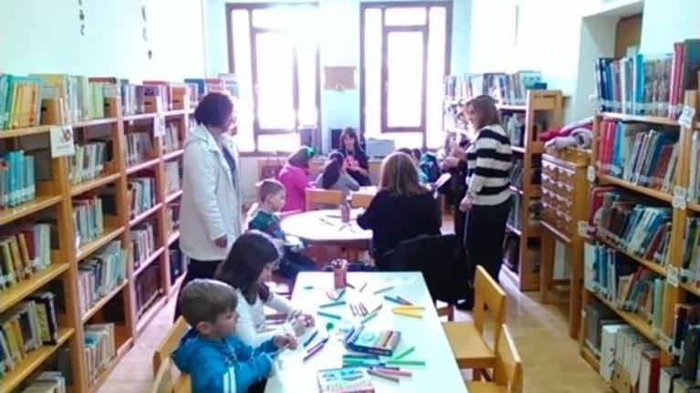 bibliwn-topoi-uiothetise-mia-sxoliki-bibliothiki-mporeis