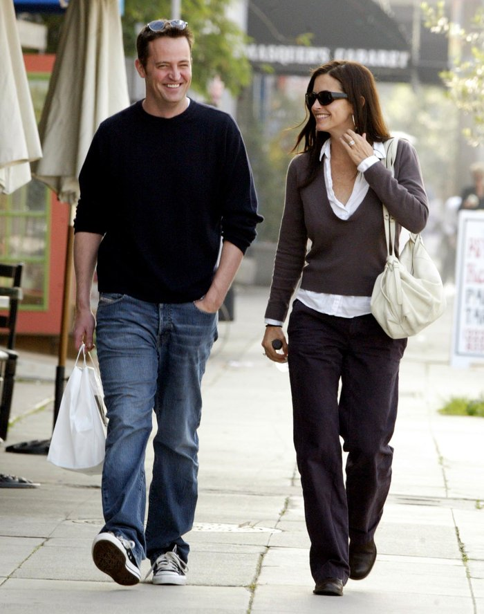 To twitter πανηγυρίζει: Η Μόνικα και ο Τσάντλερ είναι ζευγάρι και στη ζωή;