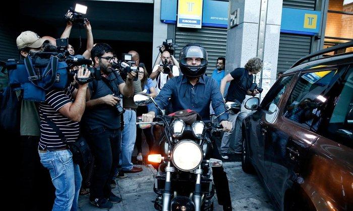 Guardian: Η παραίτηση Βαρουφάκη στα top γεγονότα της χρονιάς - εικόνα 10
