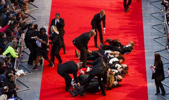 Guardian: Η παραίτηση Βαρουφάκη στα top γεγονότα της χρονιάς - εικόνα 13
