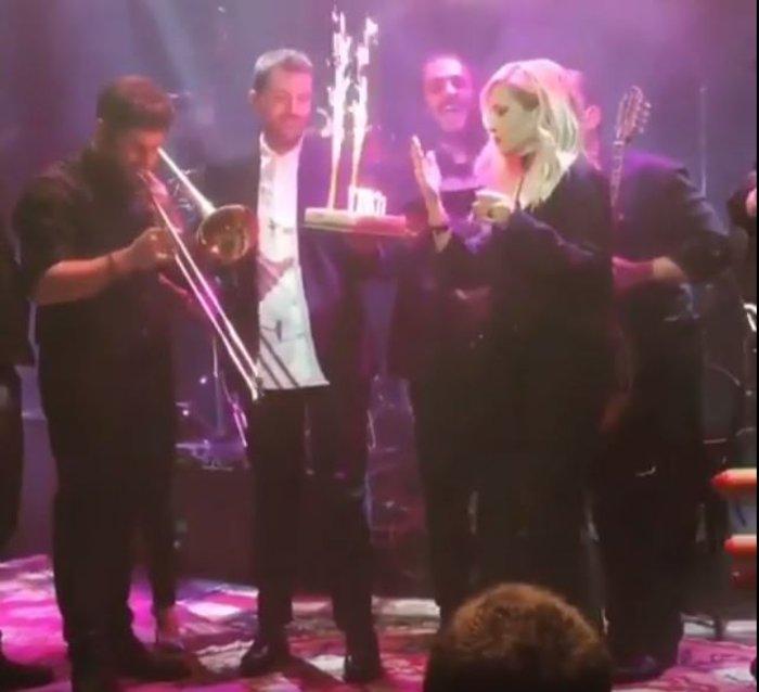 Αννα Βίσση: Τα λαμπερά γενέθλια - έκπληξη και η απίθανη τούρτα! - εικόνα 2