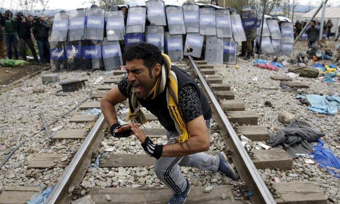 O Guardian ανακήρυξε φωτογράφο της χρονιάς 2015 τον Γιάννη Μπεχράκη - εικόνα 3