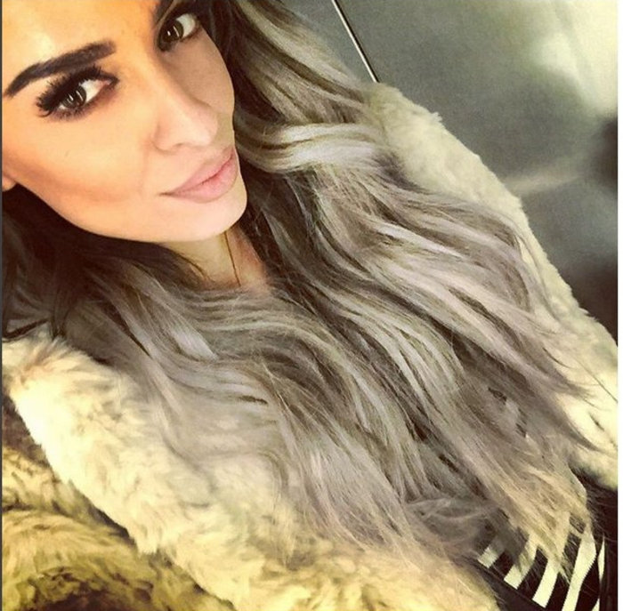 Η Ελένη Φουρέιρα είπε να αλλάξει look και έβαψε τα μαλλιά της γκρι! [φωτο] - εικόνα 2