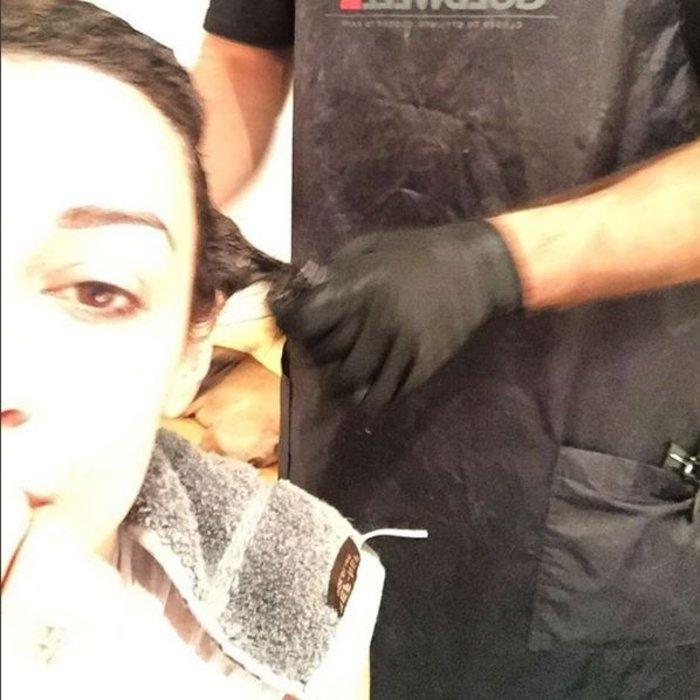 Η Ελένη Φουρέιρα είπε να αλλάξει look και έβαψε τα μαλλιά της γκρι! [φωτο]
