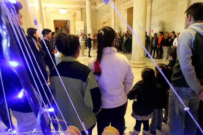 Στέγη χαράς η Βουλή για ασυνόδευτα παιδιά προσφύγων
