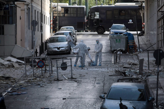 Η προκήρυξη για την επίθεση στα γραφεία του ΣΕΒ βρέθηκε σε καφάο - εικόνα 2
