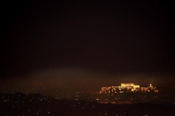 Πνίγηκε στην αιθαλομίχλη η Αθήνα - εικόνα 3