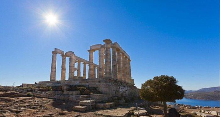 Υμνοι της Daily Mail: Η Αθήνα το μεγαλύτερο πανεπιστήμιο του κόσμου - εικόνα 3