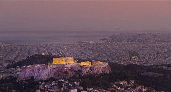 Υμνοι της Daily Mail: Η Αθήνα το μεγαλύτερο πανεπιστήμιο του κόσμου - εικόνα 5