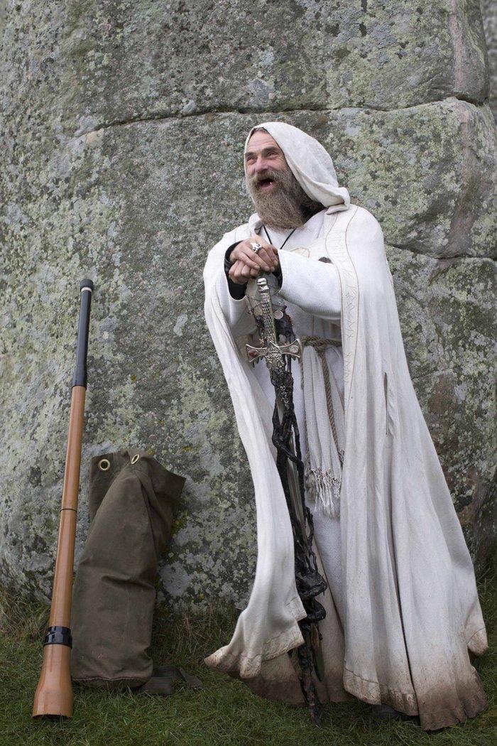 Στόουνχεντζ:«Πιστοί» γιορτάζουν το χειμερινό ηλιοστάσιο με εκκεντρικό τρόπο - εικόνα 3
