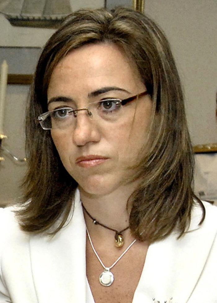 Κάρμε Τσακόν: Ανέλαβε υπουργός Αμυνας της Ισπανίας ενώ ήταν 7 μηνών έγκυος