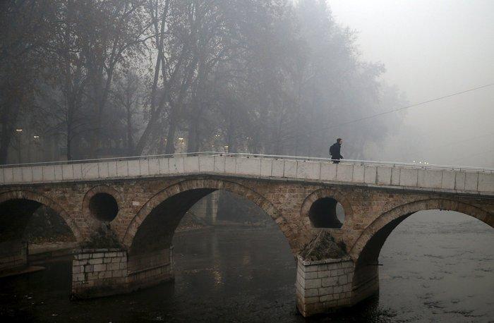 Συναγερμός στο Σαράγεβο που πνίγεται στον καπνό - εικόνα 3