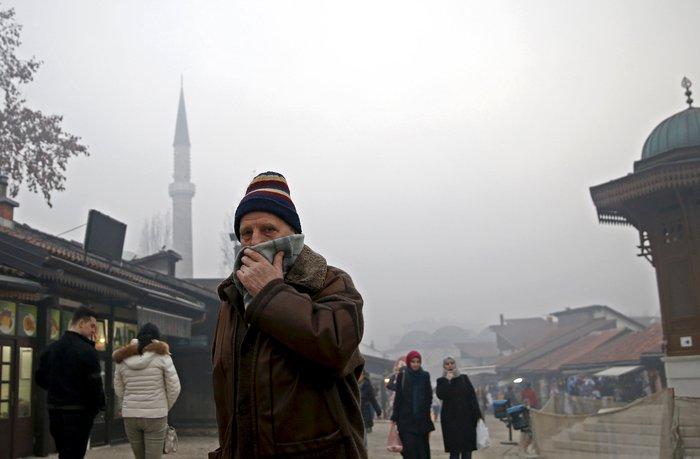 Συναγερμός στο Σαράγεβο που πνίγεται στον καπνό - εικόνα 4