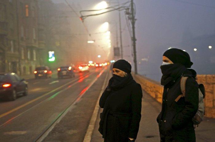 Συναγερμός στο Σαράγεβο που πνίγεται στον καπνό - εικόνα 7