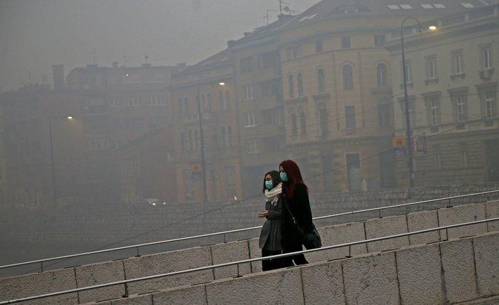 Συναγερμός στο Σαράγεβο που πνίγεται στον καπνό - εικόνα 9
