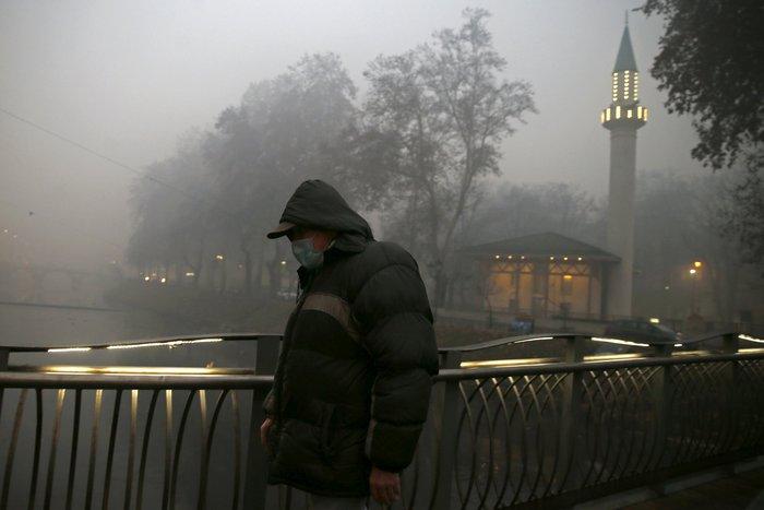 Συναγερμός στο Σαράγεβο που πνίγεται στον καπνό - εικόνα 10