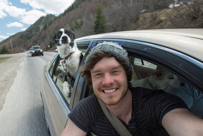 Αυτός είναι ο βασιλιάς των selfie: Φωτογραφίζεται με ζώα - εικόνα 7