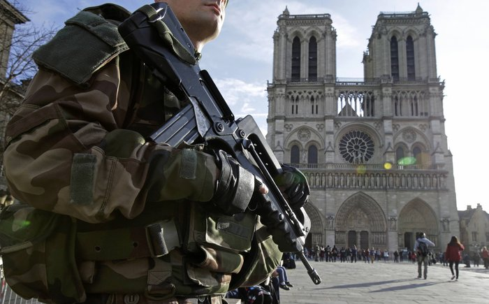 Στη σκιά της τρομοκρατίας τα Χριστούγεννα σε Παρίσι και Βρυξέλλες - εικόνα 6