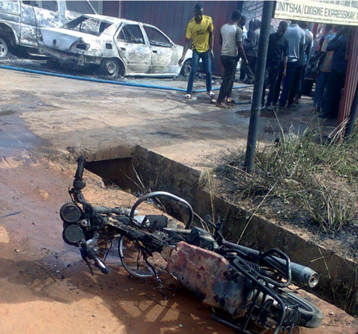 Εκρηξη με δεκάδες νεκρούς στη Νιγηρία (Βίντεο) - εικόνα 2