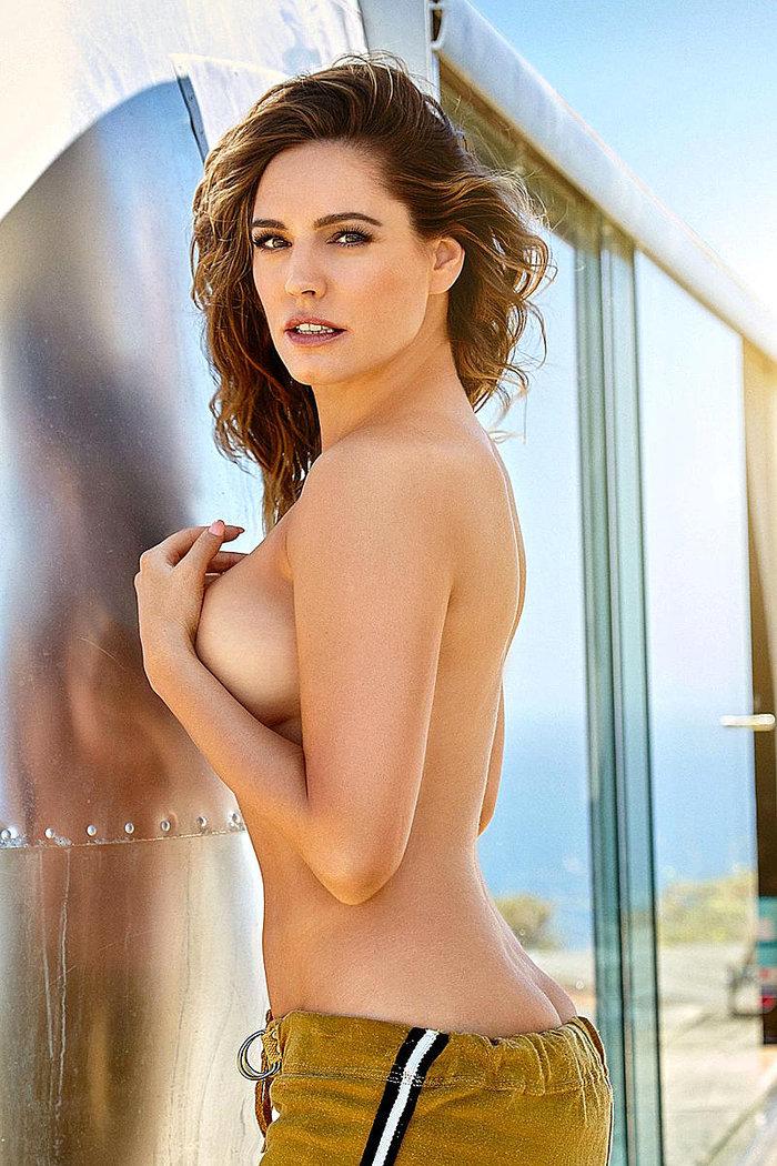 Η πανέμορφη Κέλι Μπρουκ...ολόγυμνη - εικόνα 4
