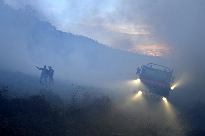 Πυρκαγιές σε δάση της Ισπανίας στην καρδιά του χειμώνα - εικόνα 2