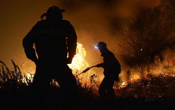 Πυρκαγιές σε δάση της Ισπανίας στην καρδιά του χειμώνα - εικόνα 4