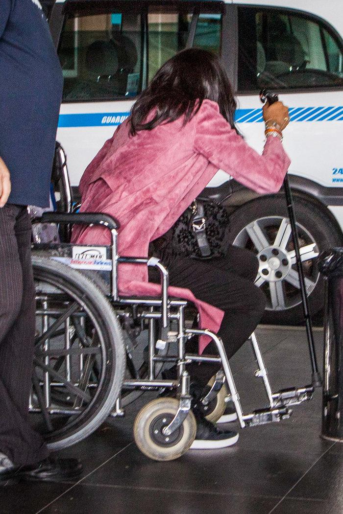 Η Ναόμι Κάμπελ σε αναπηρικό καροτσάκι στη Βραζιλία: όργιο φημών - εικόνα 2