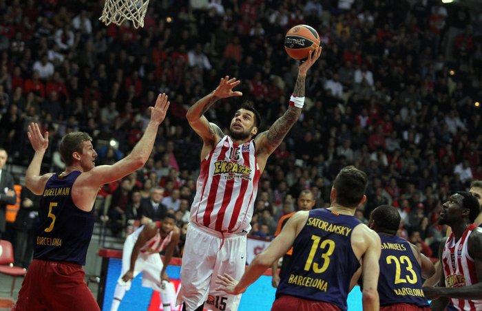 Ο Ολυμπιακός νίκησε 74-62 την Μπαρτσελόνα