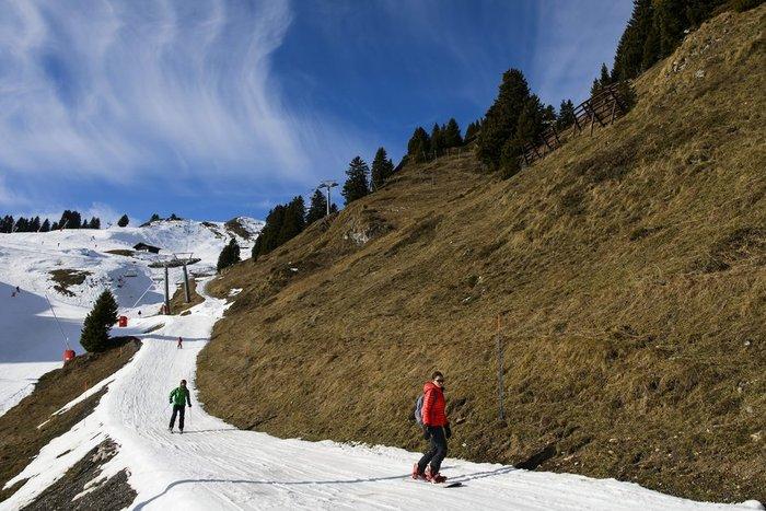 Ξέμειναν από... χιόνι τα resorts και τα σαλέ στις Αλπεις! - εικόνα 2