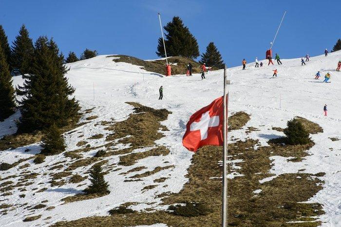 Ξέμειναν από... χιόνι τα resorts και τα σαλέ στις Αλπεις! - εικόνα 3