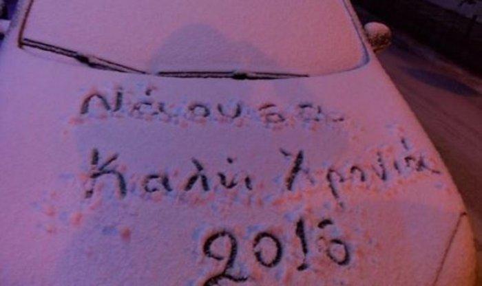 Χάος στην εθνική οδό, ουρές και ταλαιπωρία στο χιόνι - εικόνα 7