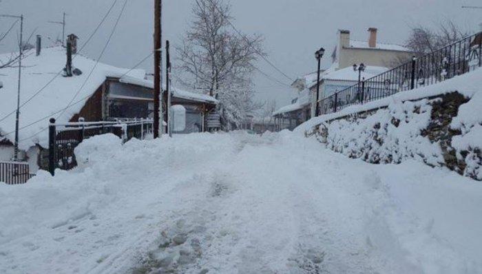 Χάος στην εθνική οδό, ουρές και ταλαιπωρία στο χιόνι - εικόνα 5