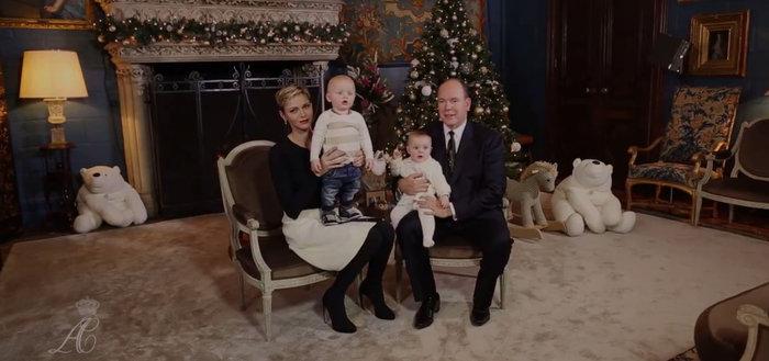 Τα πριγκιπικά Χριστούγεννα στο παλάτι του Μονακό:Αλβέρτος, Σαρλέν & διδυμα - εικόνα 2