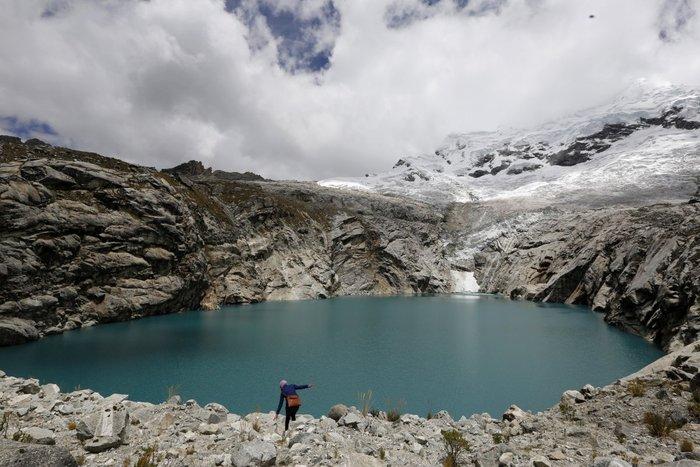 Λίμνη σε οροπέδιο του Περού, σε υψόμετρο 13.000 ποδών πάνω από την επιφάνεια της θάλασσας