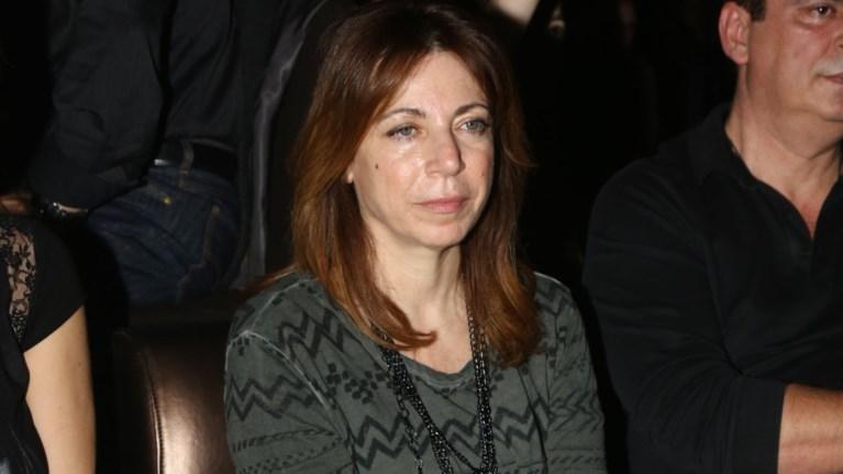 i-dimitra-papadopoulou-o-tsipras-kai-toaspro-alogo