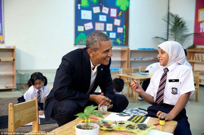 Τα πορτρέτα ενός Προέδρου: Οι καλύτερες στιγμές του Ομπάμα το 2015 - εικόνα 19