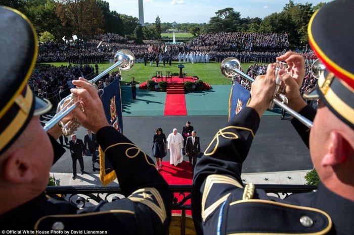 Τα πορτρέτα ενός Προέδρου: Οι καλύτερες στιγμές του Ομπάμα το 2015 - εικόνα 22