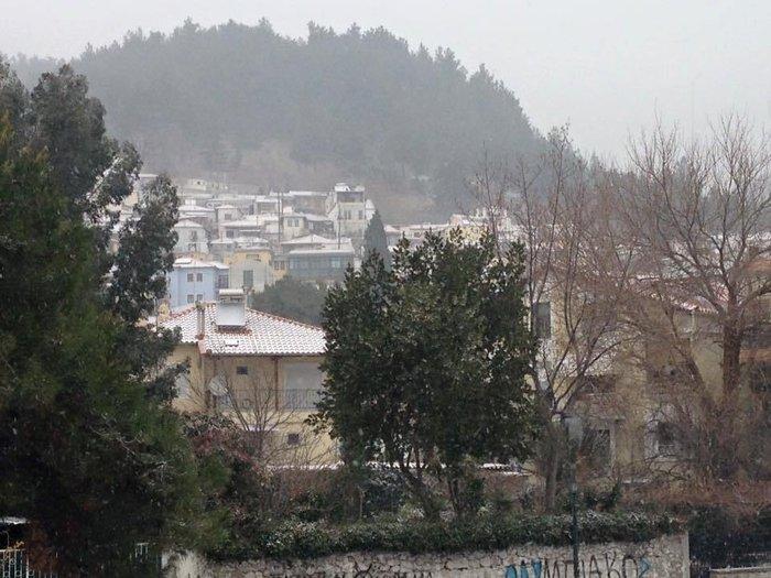 Στα λευκά η Ξάνθη - χιονίζει από το πρωί [φωτο - βίντεο]