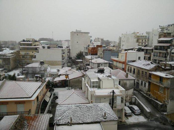 Στα λευκά η Ξάνθη - χιονίζει από το πρωί [φωτο - βίντεο] - εικόνα 2