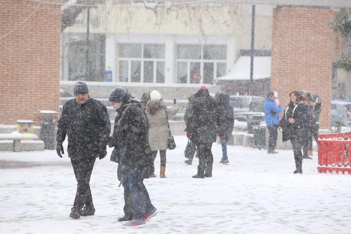 Στα λευκά η Ξάνθη - χιονίζει από το πρωί [φωτο - βίντεο] - εικόνα 13
