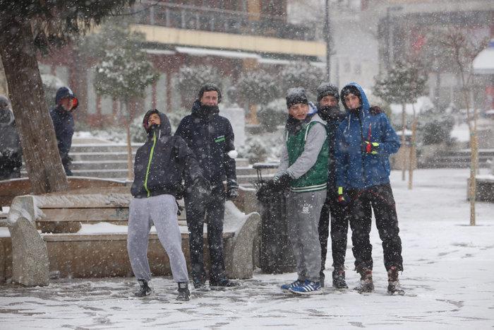 Στα λευκά η Ξάνθη - χιονίζει από το πρωί [φωτο - βίντεο] - εικόνα 15