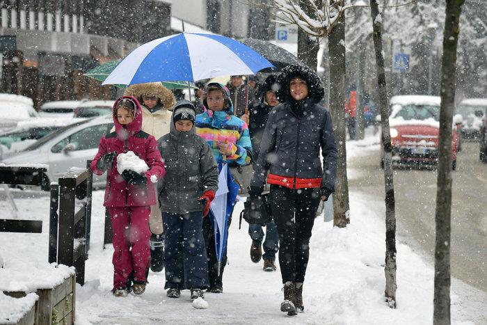 Η εξόρμηση της οικογένειας Ρέντσι στις ιταλικές Αλπεις