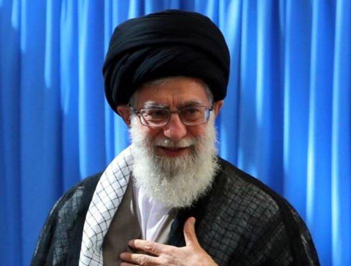 Ο σιίτης Αγιατολάχ Χαμενεΐ, επικεφαλής του κράτους της Ισλαμικής Δημοκρατίας του Ιράν